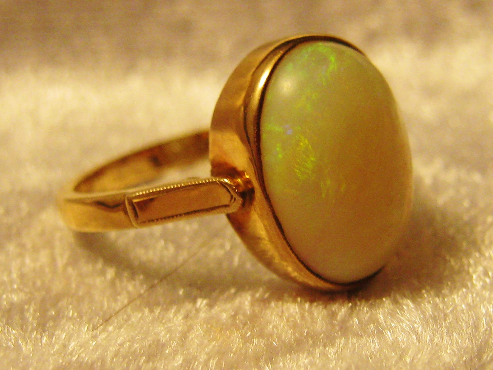 antique 15ct gold opal ring