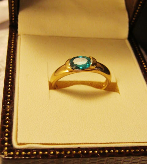 Emerald Solitaire Estate Ring 9ct gold in Australia for sale