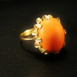 Fine Art Deco 18ct & Coral Ring
