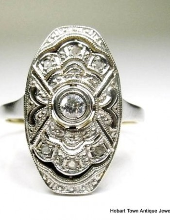 1930's Platinum 18ct Gold Diamond Art Deco Ring