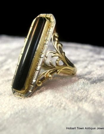 Art Deco Onyx 18ct White Gold Yellow Gold Belais Brothers Ring