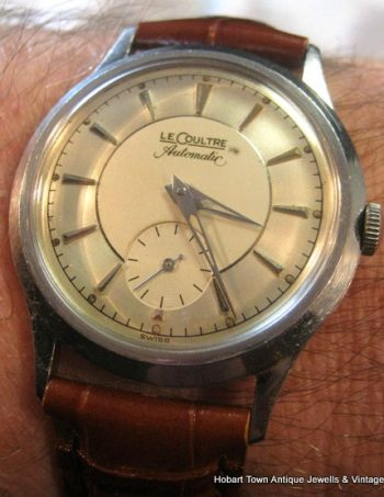 Handsome Jaeger LeCoultre Bumper Automatic Cal;P812 Original 50's Stunner
