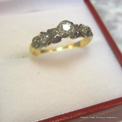 Vintage Diamond Platinum 18ct Gold Engagement Ring c1940
