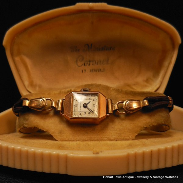 Vintage Coronet 9ct Gold Ladies Watch With Original Case