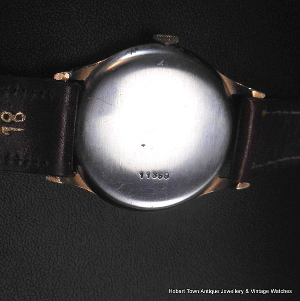 Handsome vintage Record 35m mint 1940s watch