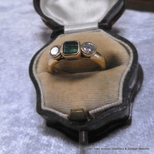 Vintage 18ct Gold Colombian Emerald Diamond .90tcw Trilogy Ring